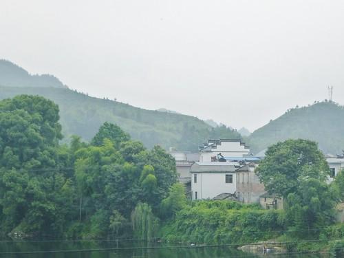Jiangxi-Tunxi-Wuyuan-bus (1)