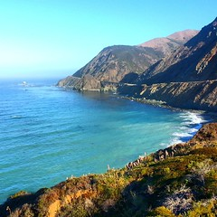 Happy #laborday all! Here's a shot of #bigsur #ca - on the #roadtrip ( #day2 ) back to #NYC ! #ocean #summer #bestoftheday