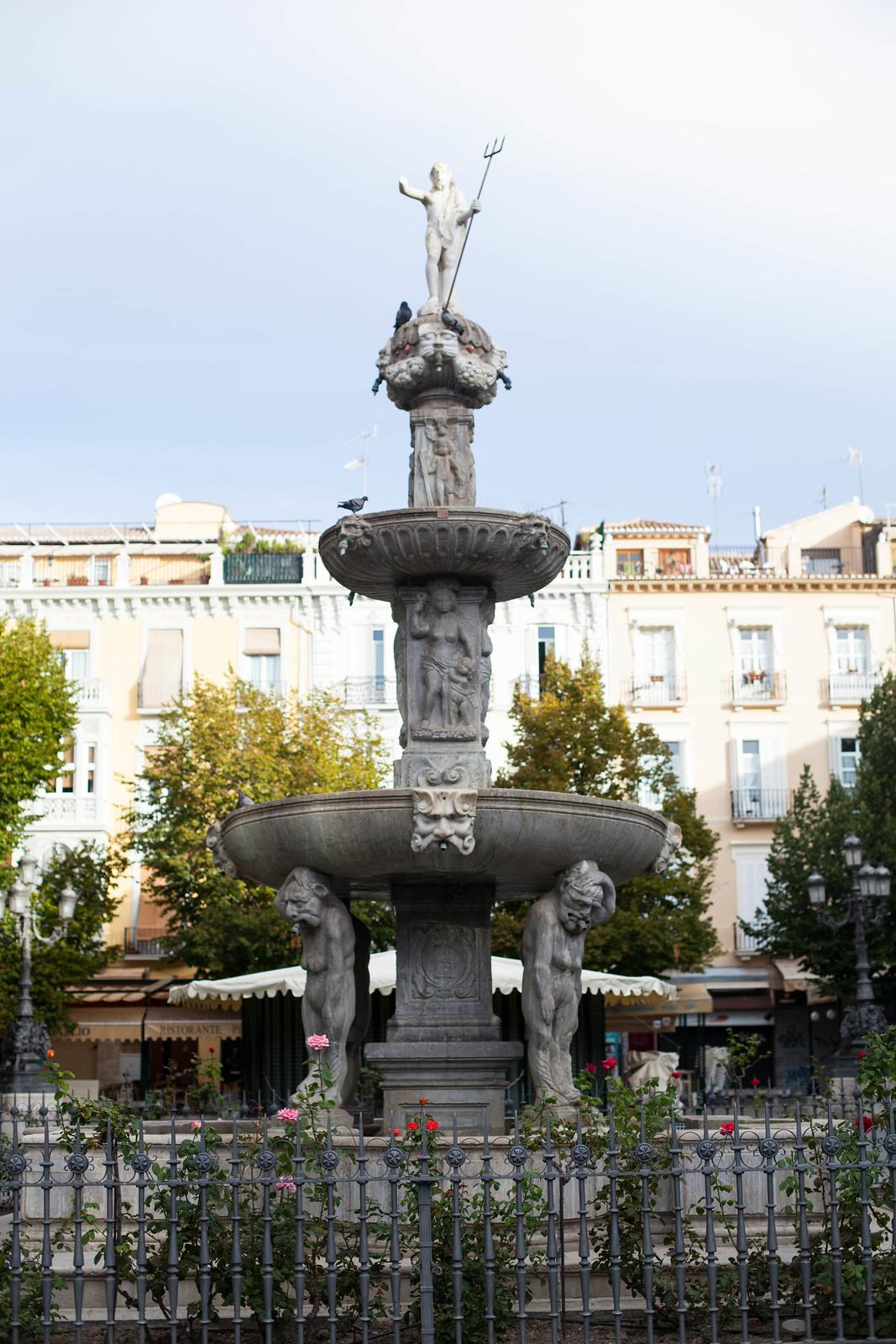 Fuente de los Gigantones fountain