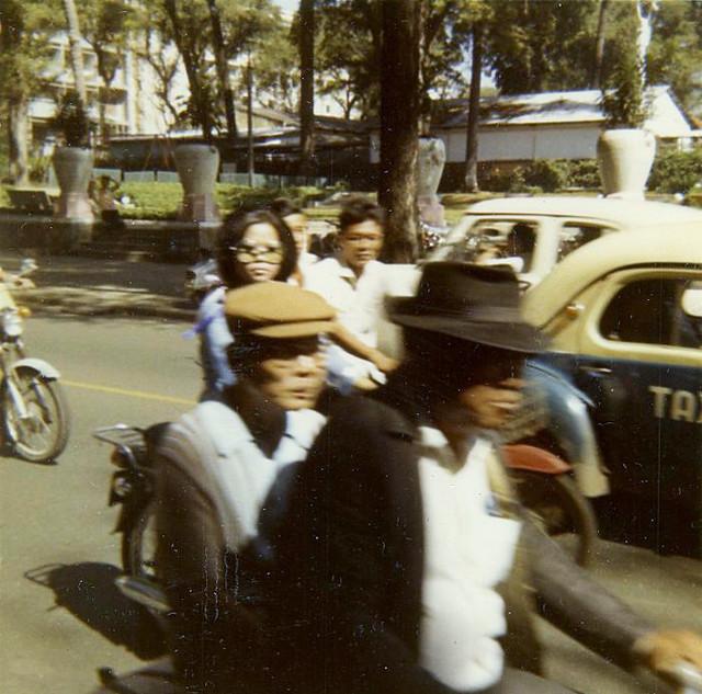 SAIGON 1970 by Michael Belis - Ngã tư Tự Do-Lê Thánh Tôn, Công viên Chi Lăng