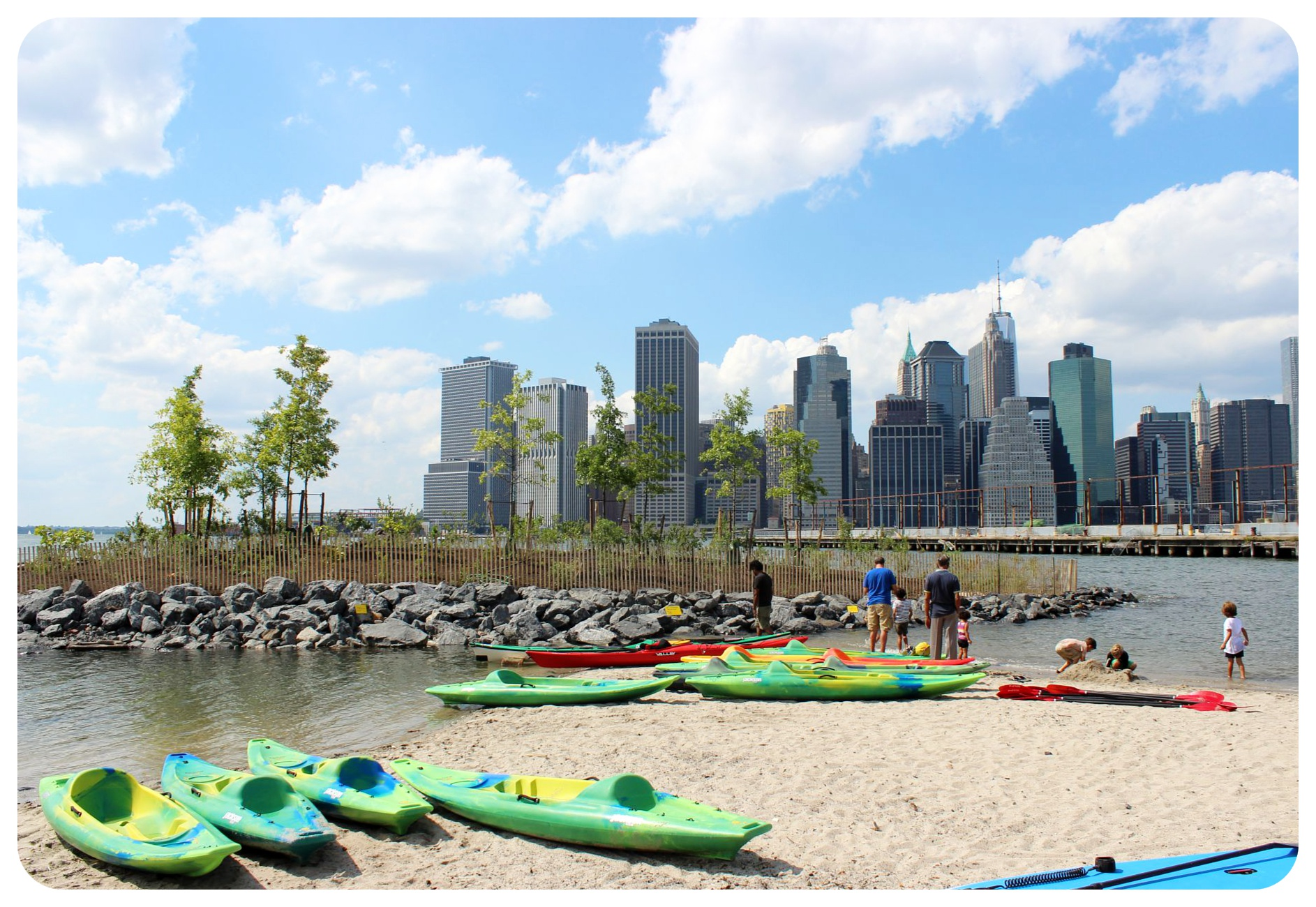 kayaks and manhattan skyline