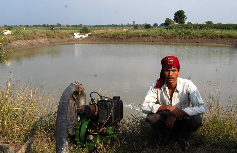 सूखे से बचाने में कारगर खेत तालाब