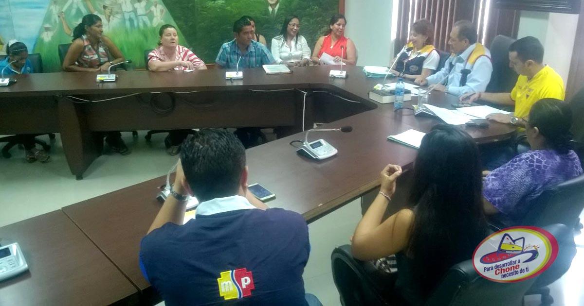 Delegaciones comunitarias de Chone fueron atendidas por Alcalde de Chone