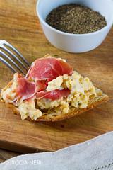 Scrambled eggs with ham