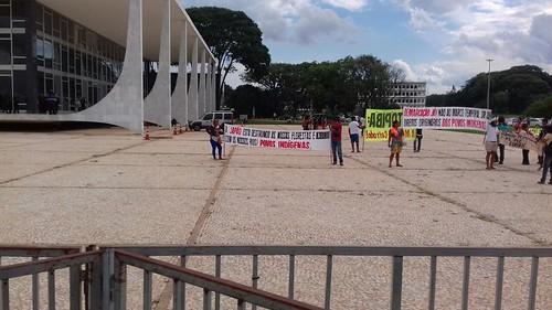 Bancários em Brasília em manifestação no STF