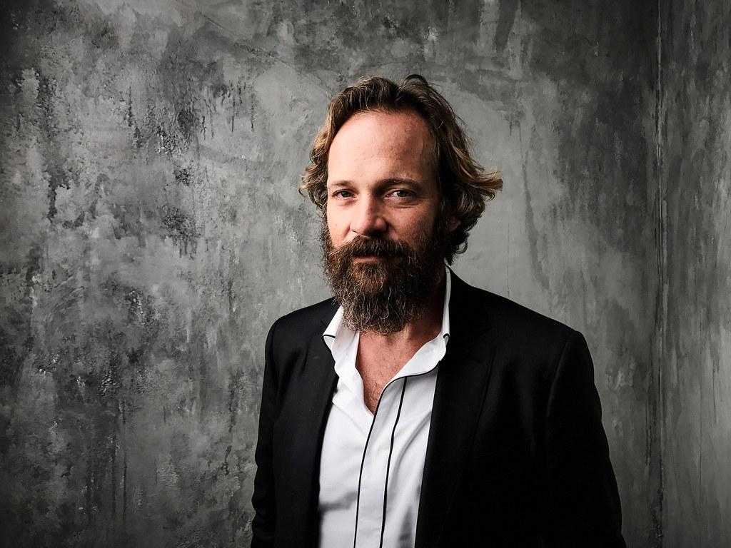 Питер Сарсгаард — Фотосессия для «Великолепная семерка» на «TIFF» 2016 – 1