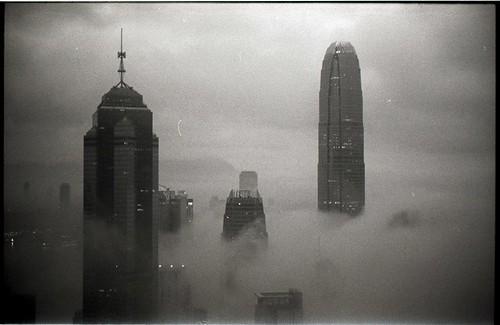 china leica blackandwhite film analog hongkong 50mm asia m summicron ilfordhp5 m3 wideopen 2014 selfdeveloped summicron50mm leicam3