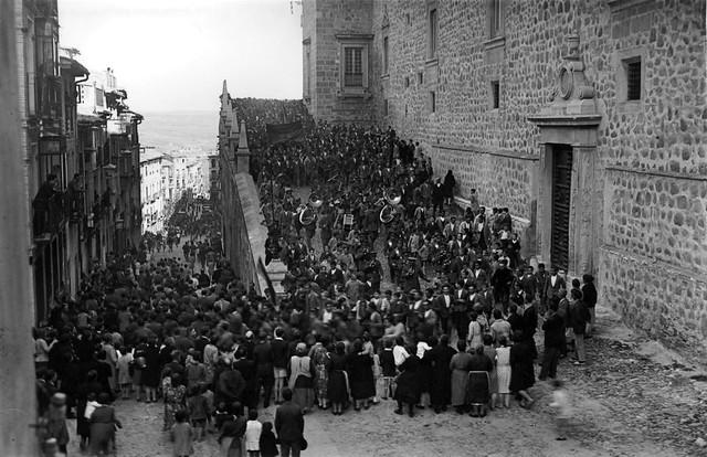 Proclamación de la II República en Toledo, el 14 de abril de 1931. Fotografía de Pedro Román Martínez