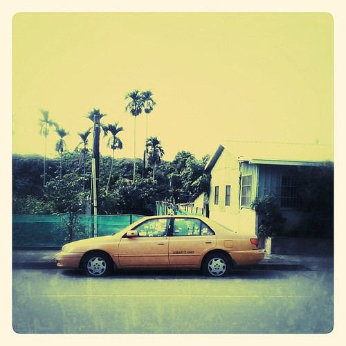 Parked in Jhongsing Village. #taxi #taiwan #nantou #snapseed