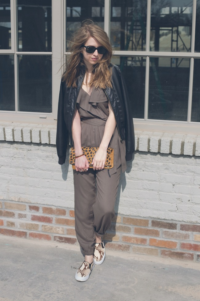 chelsea+lane+zipped+truelane+blog+fashion+style+minneapolis+blogger+american+eagle+romper+leather+jacket+snakeskin+chiara+gerragni+steve+madden+tnyc+slip+on+daame9