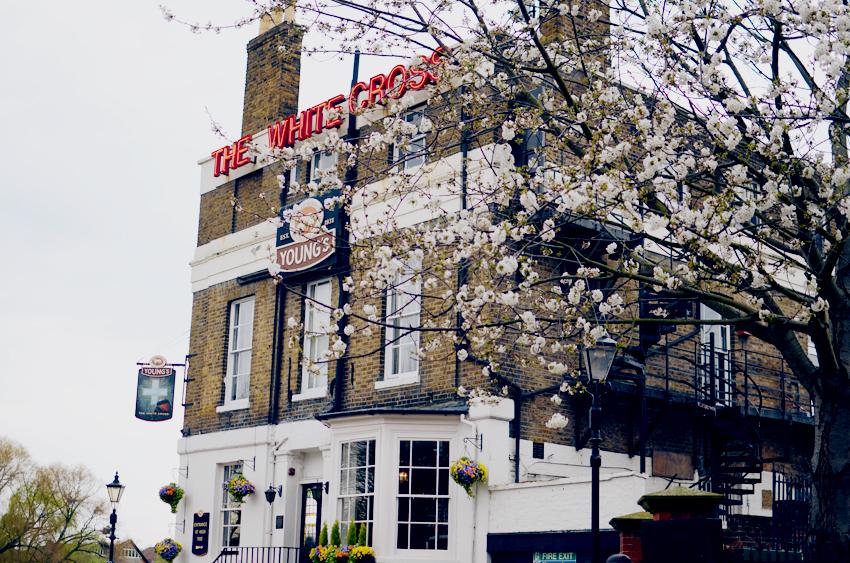 white cross pub a
