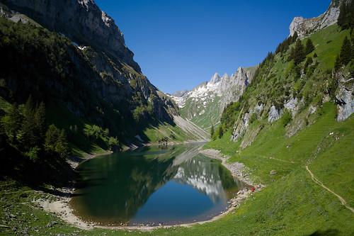 lake mountains nature reflections landscape schweiz switzerland see europe suisse hiking 28mm rangefinder trail svizzera mountainlake bergsee appenzell wanderung m9 wanderweg alpstein 2014 svizra bollenwees elmaritm fälensee appenzellinnerrhoden messsucher 140607 fählensee ©toniv leicam9 fählenalp l1016648