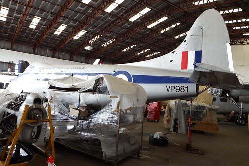 DOVE - De Havilland DH 104 Dove 8
