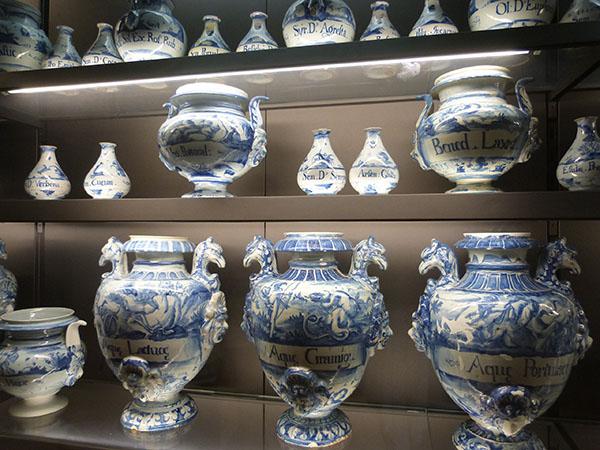 vases de pharmacie