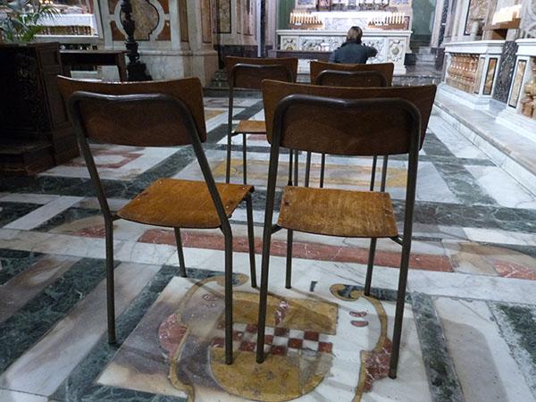 chaises église du Gesu