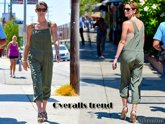Overalls-trend, Overalls trend,sky-high reptile-print high heels, how to style overalls, how to style dungarees, Overalls trend, tops, vests, bralets, cropped tops, BVLGARI LVCEA  silver watch, a thin gold necklace, sunglasses