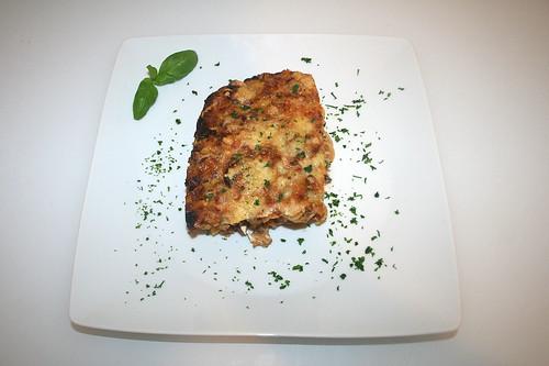 55 - Pikanter Nudelauflauf mit Hackfleisch & Feta - Serviert / Zesty noodle casserole with ground meat & feta - Served