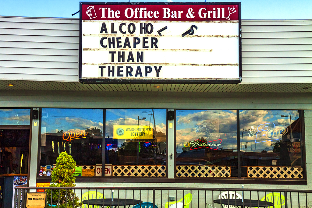The-Office-Bar-n-Grill--Kennewick