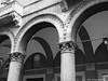 Capitelli e Portici di via Indipendenza a Bologna