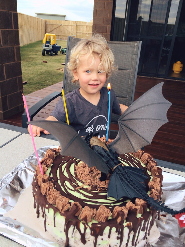 Toothless Icecream cake