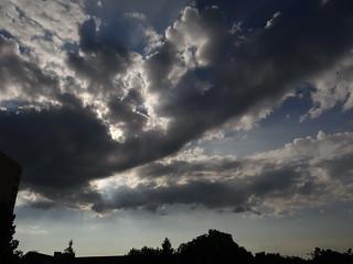 Wolken Weit und fröhlich