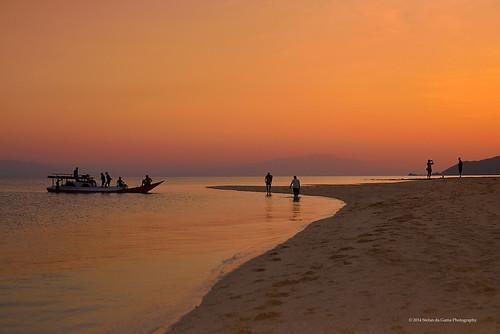 sunset flores beach indonesia landscape photography evening pulau fotografi maumere greatphotographers sikka floresisland nusatenggaratimur eastnusatenggara platinumheartaward manfrotto055xprob pangabatang pangabatangisland