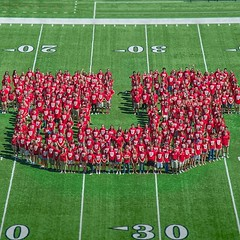 Hey freshmen, stop by #RiceEccles Stadium at 3p today for a FREE shirt and class photo! Here's the Class of 2017's human rendition of the #BlockU! Think you can beat that? Again, come by the Stadium at 3p TODAY! #UofU #Classof2018 #universityofutah