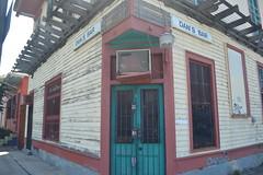 677 Dan's Bar