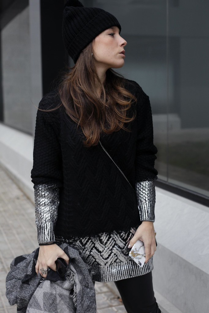 013_total_black_outfit_with_RÜGA_Laura_Santolaria_blogger_barcelona_theguestgirl