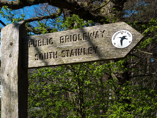 Signpost to South Stainley