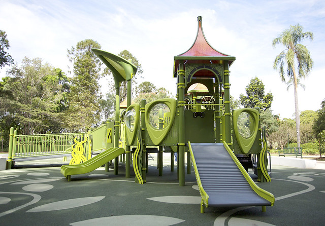 Accessible elevated play structure in City Botanic Gardens playground.