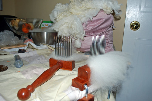Romney lamb's wool and preparing with Forsyth fine hand combs by irieknit
