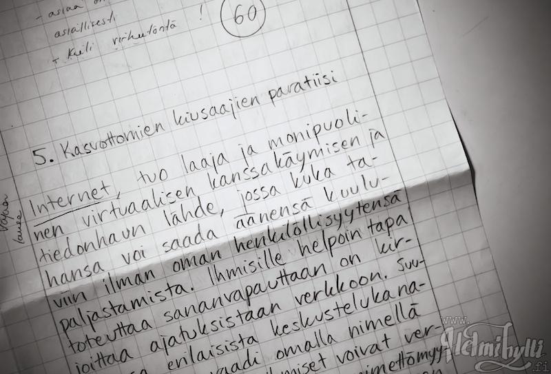 harakanvarpaita käsin kirjoitettua essee