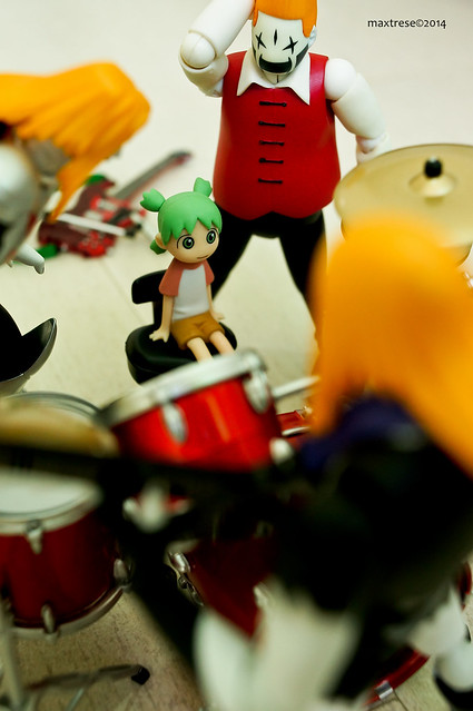 Kaiyodo Yotsuba with the Revoltech Detroit Metal City band