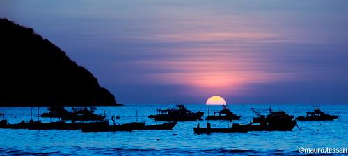 sunset nikon nikkor d3100 18140vr