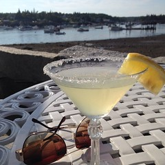Mom, wish you were here! #maine #mdi #nomnom #alfrescodining cheers everyone!