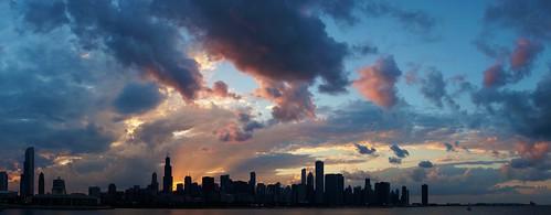 sunset panorama chicago skyline