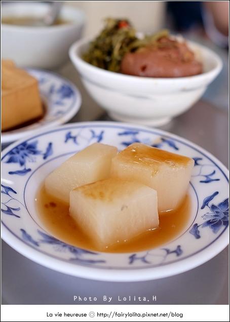 14720083707 b9fda01813 o - 《台中♥食記》蕭爌肉飯 大川醬油。在地排隊店,讓人一吃就上癮的銅板小吃