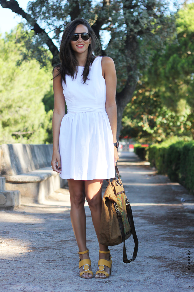 white dress coohuco 1