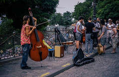 Street performers at Sacré Coeur