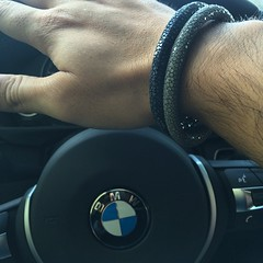 @lifechains paired together. #fashion for a cause. #stingray www.lifechains.dk #bmw #lifechains
