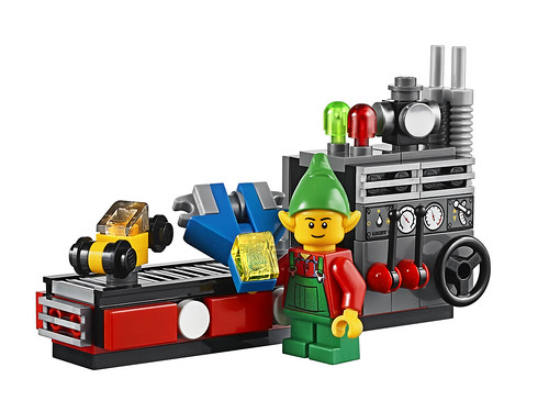 LEGO 10245 Santa's Workshop 14