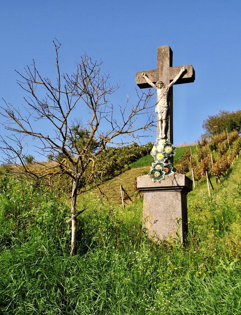 Druhý kríž pri ceste do Vrbovky