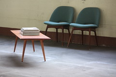 Sultry Paul McCobb Midcentury Modern Planner Group Coffee Table (U.S.A., 1950s)