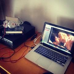 Digitalizzare le vecchie vhs di film introvabili è un duro lavoro