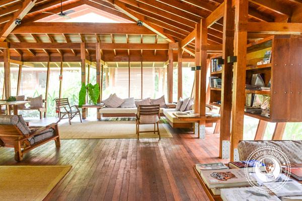 Cristalino Lodge Library