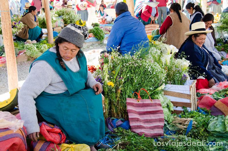 Chinchero en día de mercado