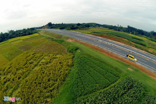 Đồ họa thông tin đường cao tốc Nội Bài - Lào Cai