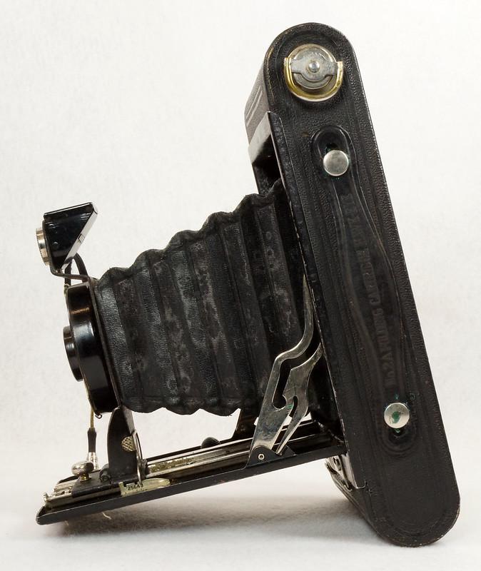 RD14615 Vintage Kodak Hawkeye No 2A Model B Folding Cartridge Camera with Leather Carry Case DSC06527