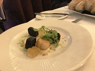 IMG_0270b_scallops and black pudding starter
